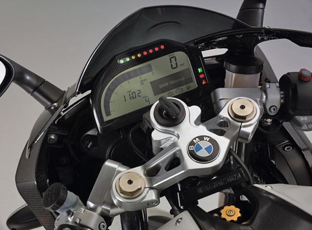 Das Dashboard Von 2D Systems Wird Mit 2 Knopfen Am Lenker Bedient Zusatzlich Zu Den Ublichen Informationen Werden Auch Rundenzeiten Top Speed