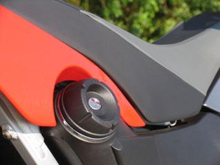 BMW G 650 Xmoto Sitz und Tank