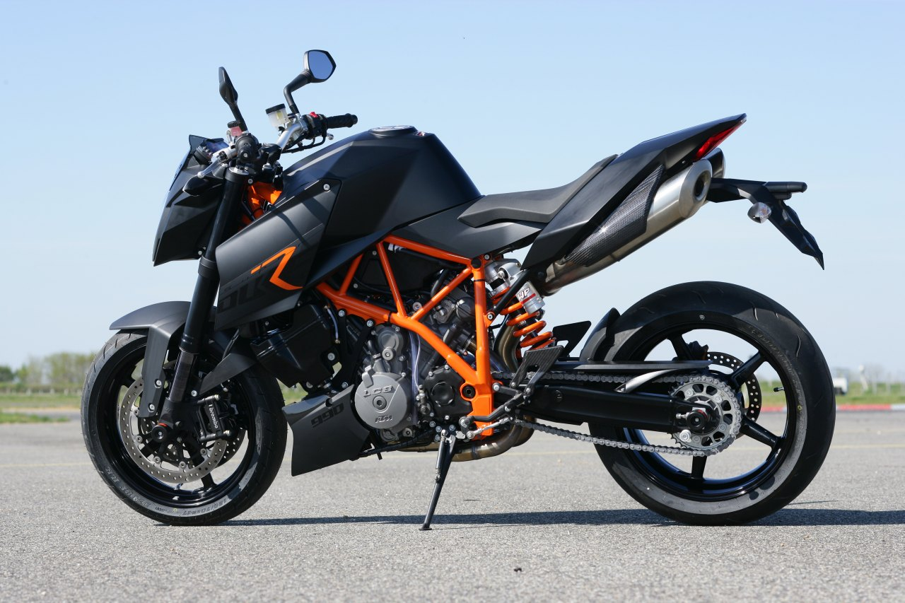 ktm superduke r testbericht. Black Bedroom Furniture Sets. Home Design Ideas