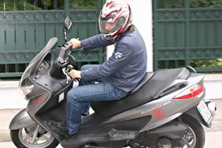 Suzuki Burgman 125 Fahrfoto