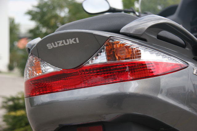 Suzuki Burgman 125 Heck