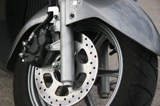 Suzuki Burgman 125 Vorderrad und Bremse