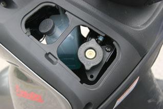 Suzuki Burgman 125 Öl und Kühlwasser
